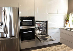 Huge-Kitchen-appliance-cabinet11