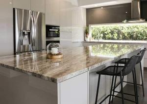 Huge-Kitchen-appliance-cabinet5