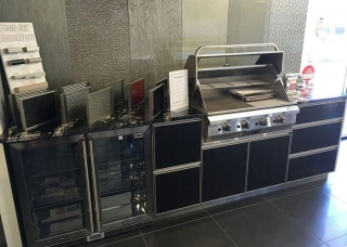 Look-Cabinets-Bars-and-Outdoor-Kitchens-Barbecue-Grill-and-Oven-1024x768-1