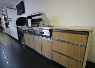 Look-Cabinets-Bars-and-Outdoor-Kitchens-Indoor-Barbecue-1024x683-2