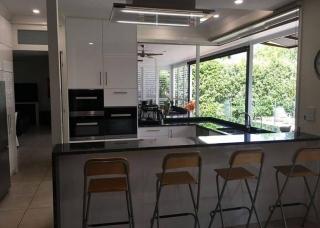 Look-Cabinets-Gallery-Modern-Kitchen-Design-Kitchen-Island-and-Storage-Cabinets-1024x768