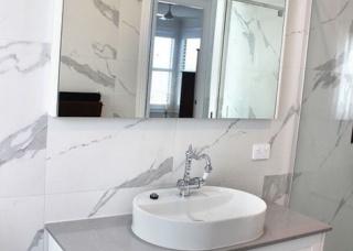 1_Gallery-Bathroom