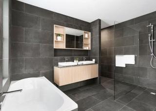 Look-Cabinets-Bathroom-Vanities-Bathtub-1024x683-1