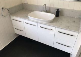 Look-Cabinets-Bathroom-Vanities-Sink-with-Storage-1024x768-1