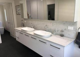 Look-Cabinets-Bathroom-Vanities-Sinks-and-Storage-Cabinets-1024x768-1
