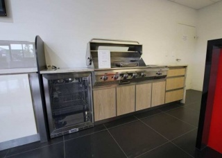 Look-Cabinets-Bars-and-Outdoor-Kitchens-Gas-Stove-and-Oven-1024x683-1
