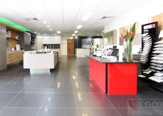 Look-Cabinets-Showroom-Displays-Red-Counter-1024x683
